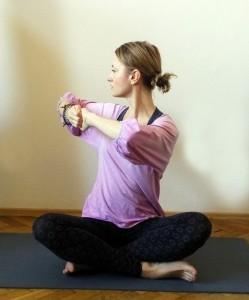 Hormonální jóga - pozice rotace